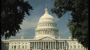 """新华社评论员:美国鼓吹""""经济侵略""""充斥冷战思维——一评美国白宫贸易和制造业政策办公室报告"""
